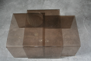 Plexi glass table gigogne vintage authentic and so for Table gigogne