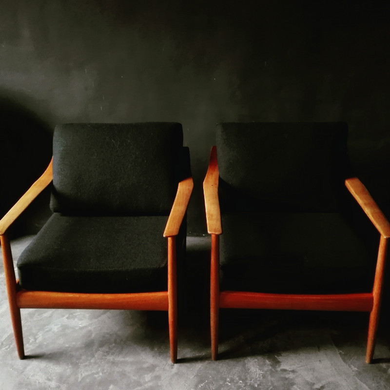 Walter Knoll Design Fauteuil.Unusual Pair Of Fauteuils By Walter Knoll Sold Authentic And So